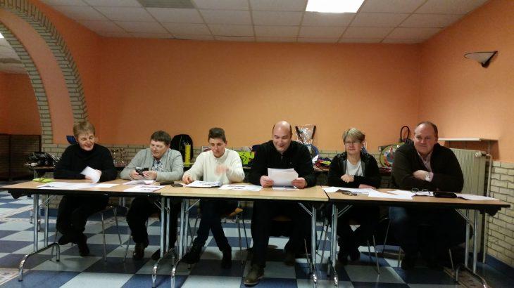 photo présentant le comité lors de l'assemblée générale du 14 janvier 2017